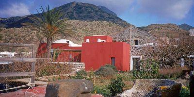 La cantina e il dammuso a Pantelleria